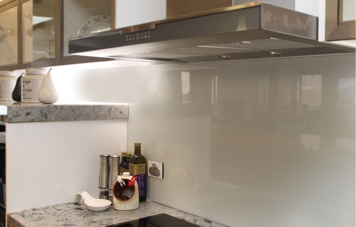 Neutral toned glass splash back